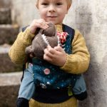 boba-mini-night-adventures-juguete-kangura-portabebes-8